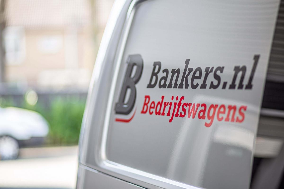 Logo Bankers op bedrijfswagen